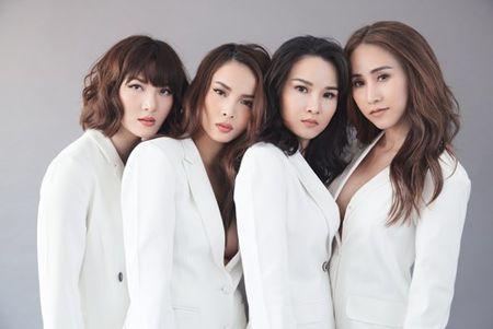 Gian nhau 10 nam, Yen Trang bat ngo chup anh nude cung May Trang - Anh 6