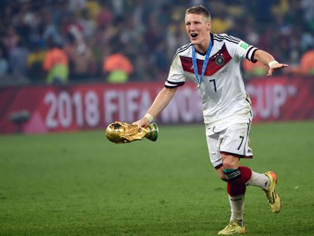 CHINH THUC: Schweinsteiger chia tay Man United - Anh 2
