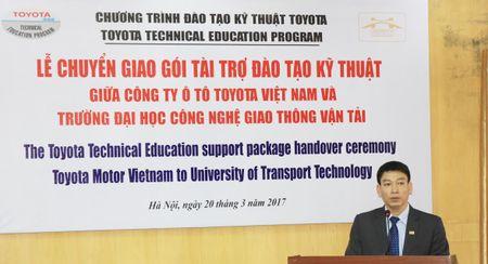 TMV tang thiet bi ky thuat cho DH Cong nghe GTVT Ha Noi - Anh 2