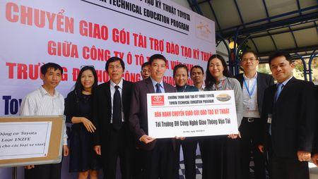 TMV tang thiet bi ky thuat cho DH Cong nghe GTVT Ha Noi - Anh 5