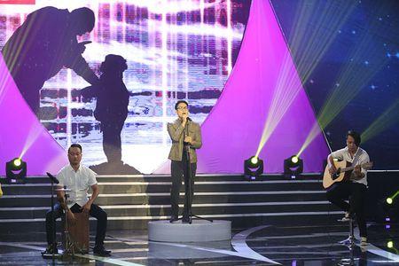 NSUT Kim Xuan cung con dau len sau khau ung ho Huy Luan - Anh 3