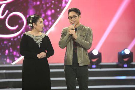 NSUT Kim Xuan cung con dau len sau khau ung ho Huy Luan - Anh 4