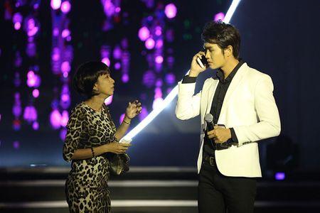 NSUT Kim Xuan cung con dau len sau khau ung ho Huy Luan - Anh 5