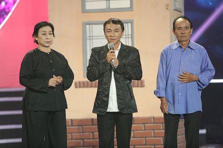 NSUT Kim Xuan cung con dau len sau khau ung ho Huy Luan - Anh 9
