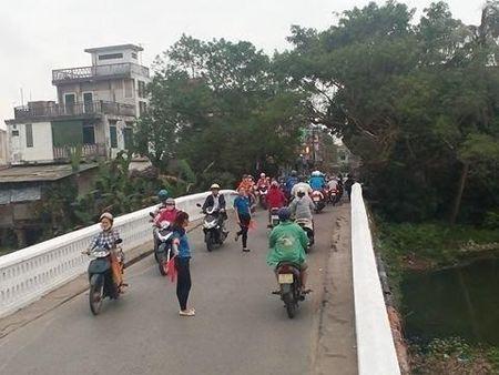 Thanh pho Hue: Nhung chien si canh sat giao thong mau ao xanh - Anh 4