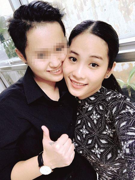 Hoa khoi Nam Em kheo don duong cho chi gai 'tan cong' showbiz - Anh 6