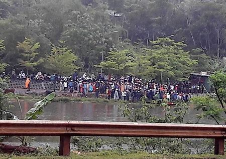 Quang Tri: Nghi van thieu nien dam nguoi phu nu roi nhay ho Khe Sanh tu van - Anh 2