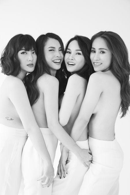 May Trang gat bo hiem khich, tai hop gay soc voi anh ban nude - Anh 4