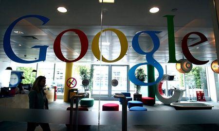 Google chinh thuc xin loi sau khi bi hang loat cong ty quang cao gay suc ep - Anh 1
