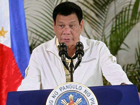 Ong Duterte lai lon tieng phan phao EU - Anh 1