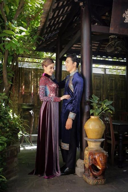 Khanh Ngan diu dang trong ta ao dai 'Hoa sen dat Viet' - Anh 7