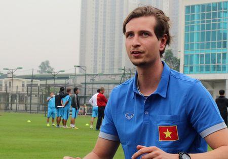 Nguoi cu cua tuyen Thai Lan doc suc cho U20 Viet Nam du World Cup - Anh 1