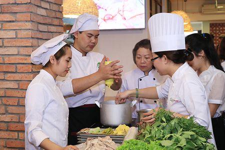 Cung Xuan Bac kham pha Mon ngon Sai Thanh giua long Thu do - Anh 8