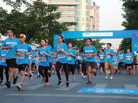 Nguoi dan TP.HCM huong ung 'Ngay chay Olympic vi suc khoe toan dan' 2017 - Anh 1