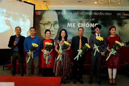 Hai NSND Lan Huong cung vao vai ba me trong 'Song chung voi me chong' - Anh 1