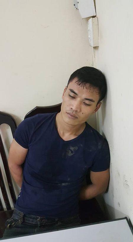 Gap 141, doi tuong mang ma tuy bo cua chay lay nguoi - Anh 1