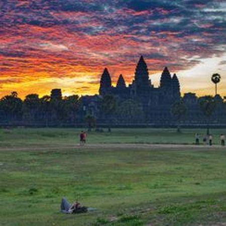 Vi sao thanh pho Angkor huy hoang bong dung sup do? - Anh 10