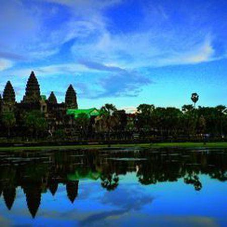 Vi sao thanh pho Angkor huy hoang bong dung sup do? - Anh 11