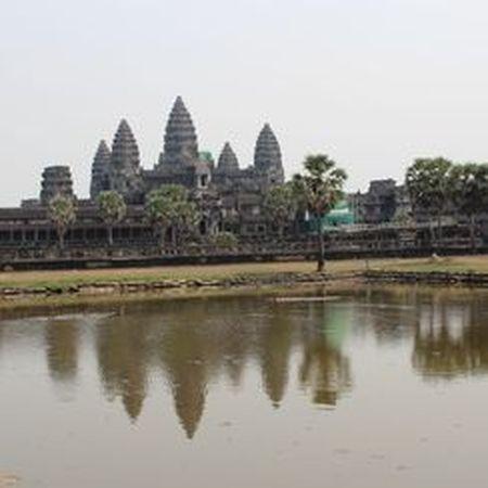Vi sao thanh pho Angkor huy hoang bong dung sup do? - Anh 12