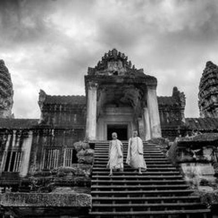 Vi sao thanh pho Angkor huy hoang bong dung sup do? - Anh 4