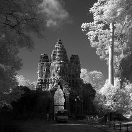 Vi sao thanh pho Angkor huy hoang bong dung sup do? - Anh 5