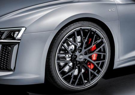 Sieu xe Audi R8 Audi Sport Edition dac biet gia 4,4 ty - Anh 3
