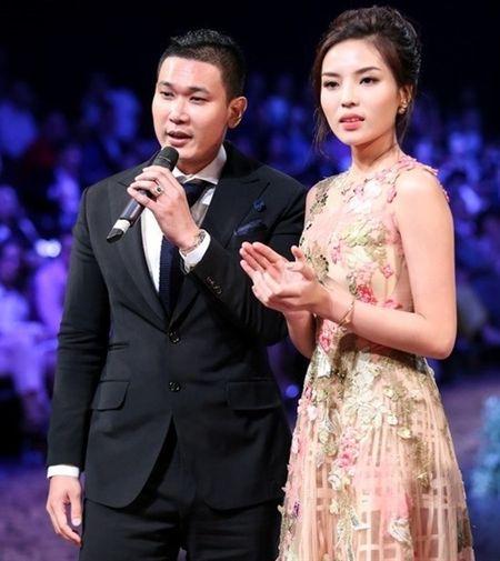 So gang 'nguoi dan ong quyen luc' cua my nhan showbiz Viet - Anh 6