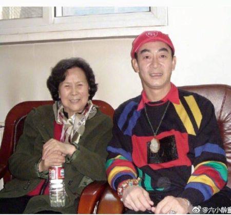 Dan sao 'Tay du ky' te tuu trong le tang cua dao dien Duong Khiet - Anh 1