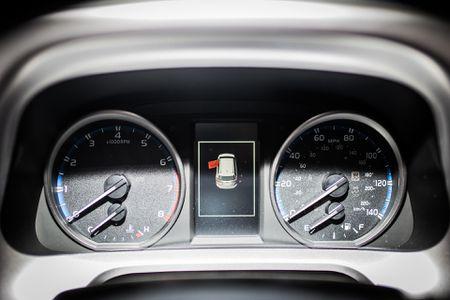 Toyota RAV4 2017 dau tien ve Ha Noi - Anh 7