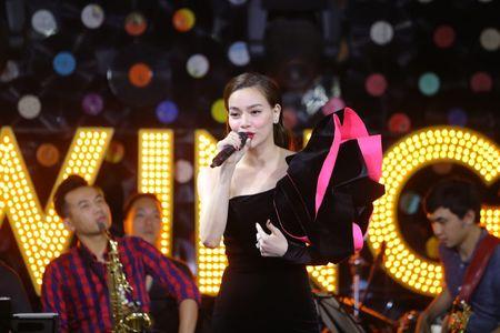 Ho Ngoc Ha tu choi yeu cau hat ca khuc cua Minh Hang - Anh 4