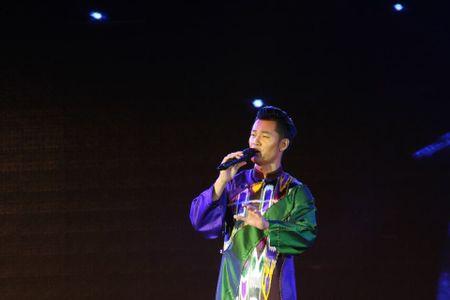 Khi bai 'Noi vong tay lon' duoc vang tai dem nhac Trinh Cong Son o Hue - Anh 21