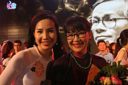 Khi bai 'Noi vong tay lon' duoc vang tai dem nhac Trinh Cong Son o Hue - Anh 25