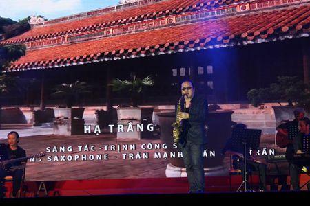 Khi bai 'Noi vong tay lon' duoc vang tai dem nhac Trinh Cong Son o Hue - Anh 4