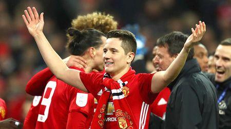 Man United gap bao chan thuong, Mourinho moi nghi toi Rooney - Anh 2