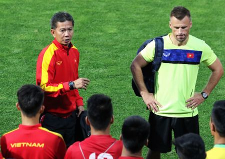 HLV Hoang Anh Tuan: 'U20 Viet Nam phai can trong nhung pha xe nach cua New Zealand' - Anh 1
