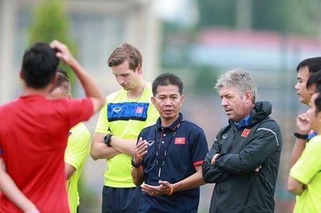 GDKT Jurgen Gede tin tuong vao kha nang chien thang cua U20 Viet Nam - Anh 1