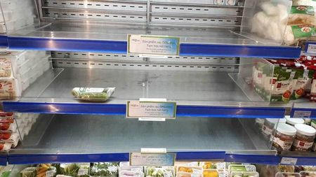 Hien tuong san pham organic 'xin' chay hang o Co.opmart - Anh 3