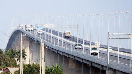 Tong cuc Duong bo khong dong y giam toc do xuong 80km/h tren cau Long Thanh - Anh 1