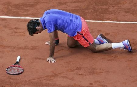 Roger Federer thong minh 'ne' Phap mo rong - Anh 3