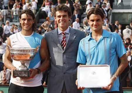 Roger Federer thong minh 'ne' Phap mo rong - Anh 4