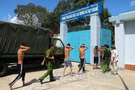 Ba Ria-Vung Tau: Truy to ba doi tuong gay roi, kich dong hoc vien bo tron - Anh 1