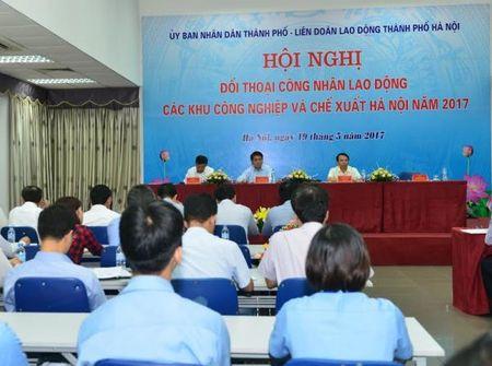 Chu tich Ha Noi doi thoai voi 1.000 cong nhan khu cong nghiep - Anh 1