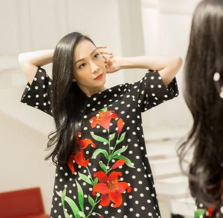 Linh Nga cang tran suc song voi hoa tiet hoa ly - Anh 2