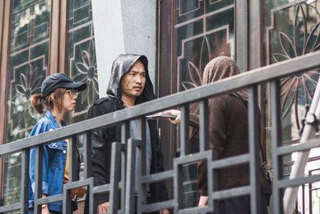 """""""Hoa hau hai"""" Thu Trang suyt gay chan khi bi chong... de tren giuong trong luc quay phim - Anh 8"""