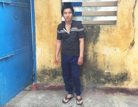 Nup bong nhan vien gioi thieu san pham de trom cap - Anh 1