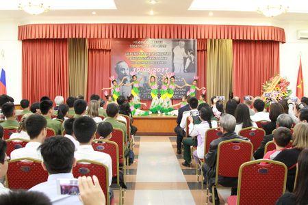 Nhung khoanh khac lich su cua Bac Ho voi nhan dan Xo Viet - Anh 3