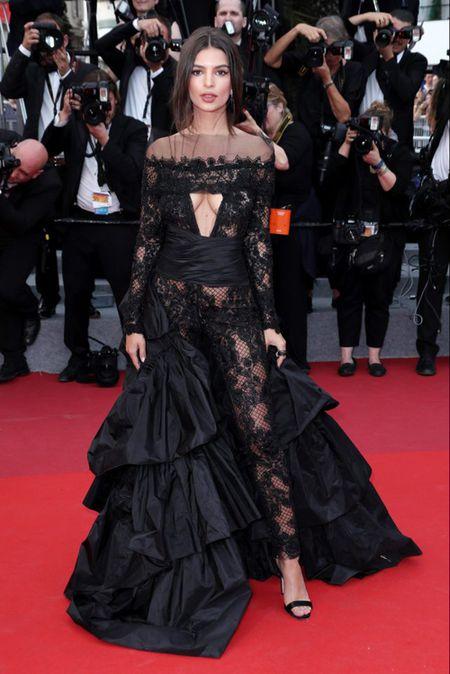 Bo trang phuc 'binh dao' cua sao Hoa ngu gay bao tham do Cannes - Anh 5