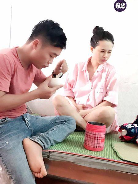 Tam thu cham vo de cua ong bo 3 con nhan 'bao' like - Anh 1