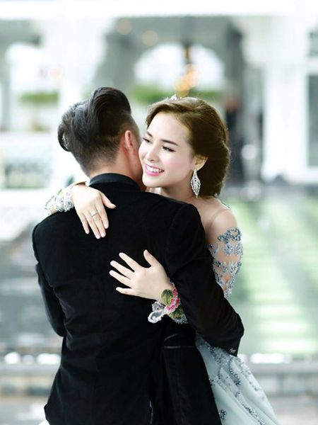 Tam thu cham vo de cua ong bo 3 con nhan 'bao' like - Anh 2