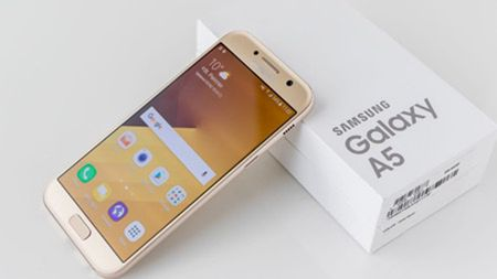 Galaxy A5 (2017): Dang cap vuot tam smartphone 8 trieu dong - Anh 1